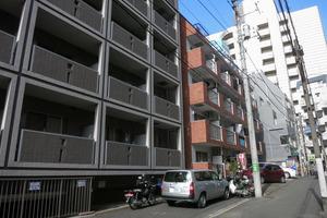 美和プラザ新宿の外観