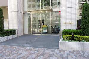 新宿山吹アインスタワーのエントランス