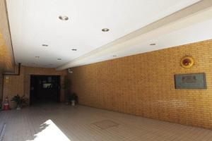 ライオンズマンション護国寺第2のエントランス