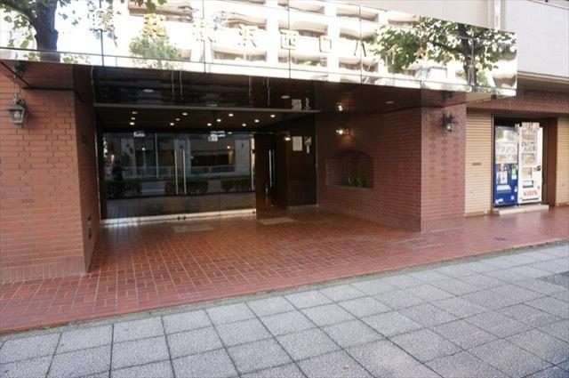 藤和横浜西口ハイタウンのエントランス