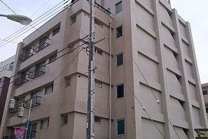石川台ロイヤルマンションの外観