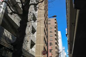トーシンフェニックス初台弐番館の外観