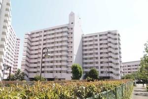 小松川チェリーガーデン3号棟の外観