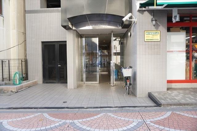 シティマンションオリエント伊勢佐木町のエントランス