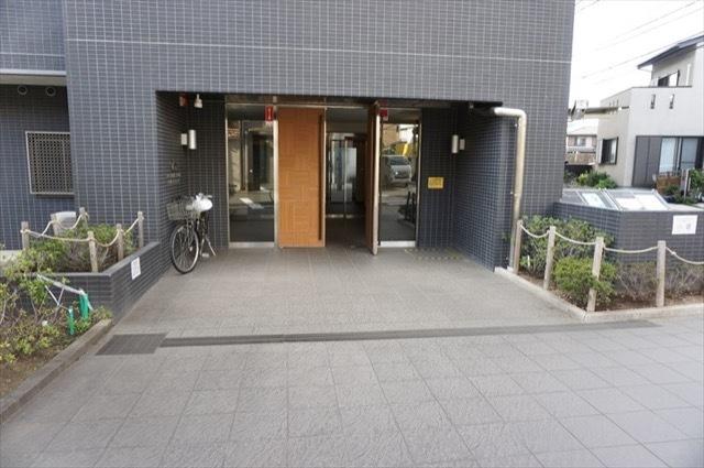 クオス横浜鶴見プライムレジデンスのエントランス