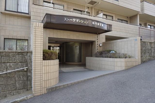ストークマンション磯子1番館のエントランス