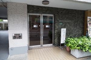 江古田スカイマンションのエントランス