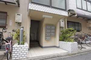 キャニオンマンション加賀町のエントランス