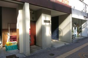 シャトレー幡ヶ谷のエントランス
