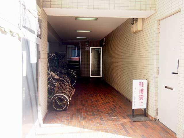 ラインコーポ箱崎のエントランス
