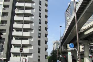 陽輪台西新宿の外観