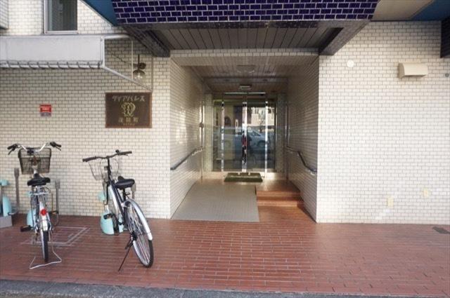 ダイアパレス浅間町(横浜市)のエントランス