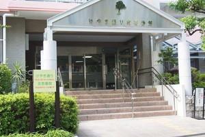 ケヤキ通リ北1番館のエントランス