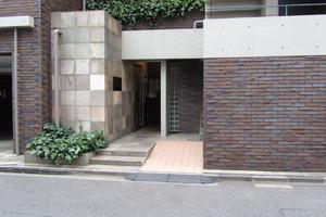 東急ドエルアルス渋谷八幡坂のエントランス