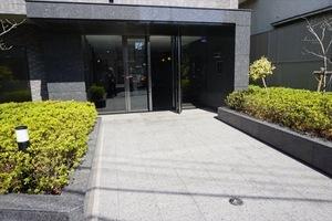 ルーブル西早稲田弐番館のエントランス