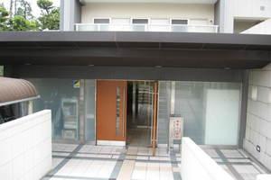 Dグラフォート加賀のエントランス