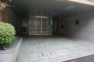 アルス高輪桂坂のエントランス