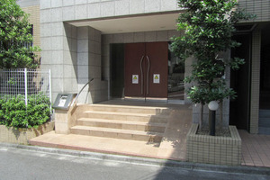アートコート早稲田戸山公園のエントランス