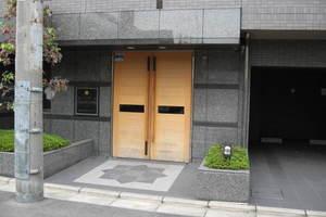 ルーブル学芸大学弐番館のエントランス