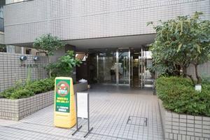 リーラ新高円寺のエントランス