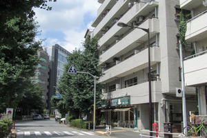 シャンボール新宿の外観