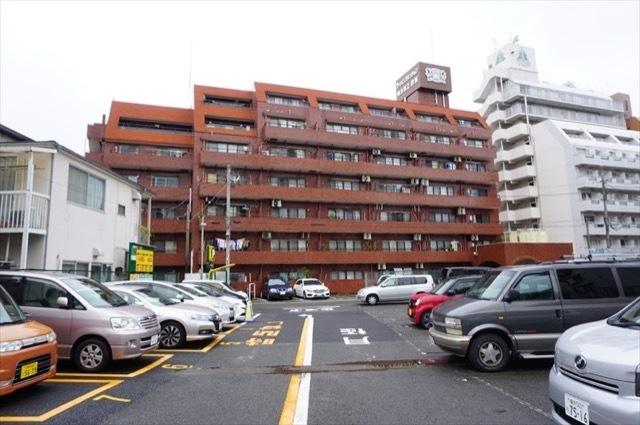 ライオンズマンション横浜第2B館の外観