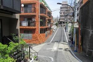 信濃町スワローズマンションの外観