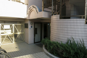 ペガサスマンション渋谷本町第2のエントランス