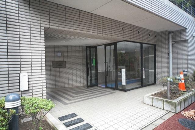 アクシルコート大井仙台坂のエントランス