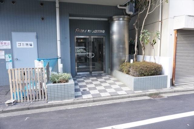 日神パレステージ蒔田公園のエントランス