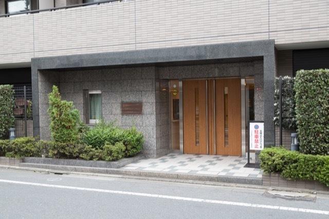 コスモ荻窪ロイヤルコートのエントランス
