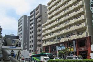 コントワール新宿の外観