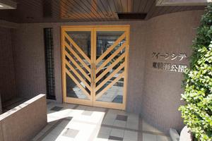 クィーンシティ東綾瀬公園のエントランス