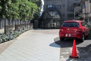 ハイネス東中野プリメールのエントランス
