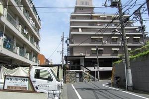信濃町マンションの外観