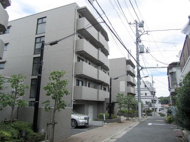 ルーブル新宿西落合6番館の外観