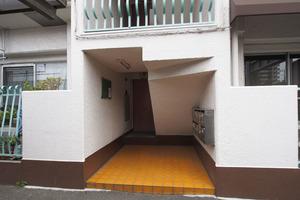 キャニオンマンション第8高島平のエントランス