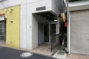 フラワーマンション(渋谷区)のエントランス