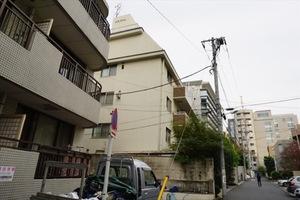 三田ロイヤルの外観