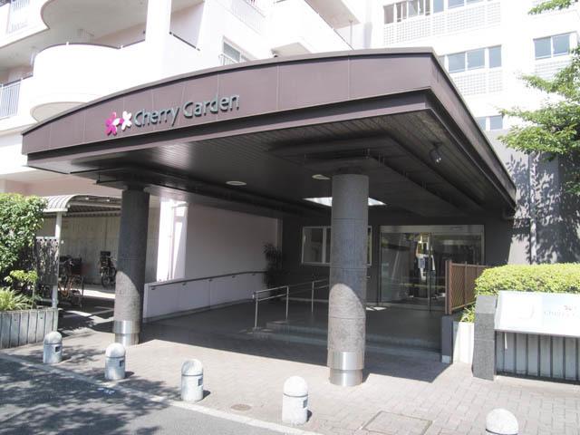 小松川チェリーガーデン2号棟のエントランス