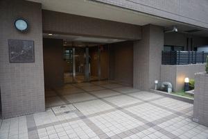 インフィニティ三田のエントランス