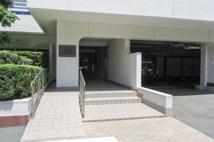 フジタ早稲田マンションのエントランス