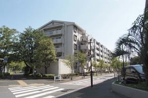コンドミニアム小松川5番館の外観