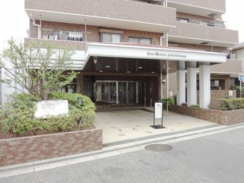 ライオンズマンション京成高砂のエントランス