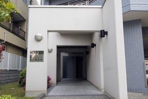 ユアコート東長崎のエントランス