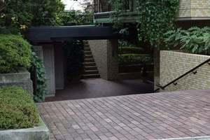 大岡山シティハウスのエントランス
