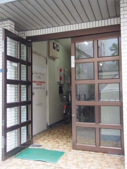 サクラコーポ(台東区)のエントランス