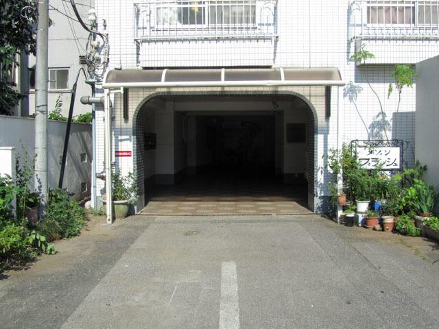 メゾンブランシュ(新宿区)のエントランス