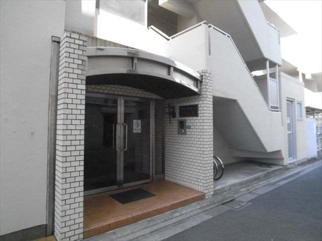 藤和中野弥生町コープのエントランス