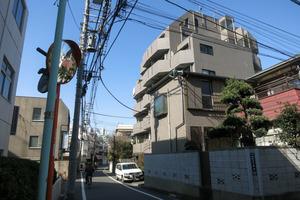 ルーブル渋谷初台弐番館の外観